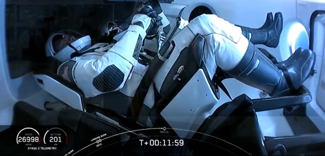 Son Dakika: SpaceX'in ilk insanlı uzay mekiği fırlatıldı
