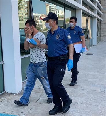 Cezaevinden İzinli Çıkan Kişi Hırsızlık Yaparken Yakalandı