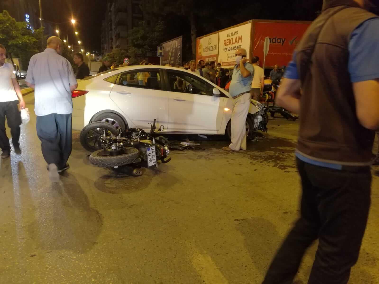 Bafra`da Trafik Kazası 1 Ağır 3 Kişi Yaralı