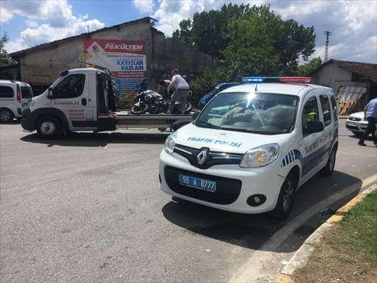 Motosiklet İle Otomobil Çarpıştı: 4 Yaralı
