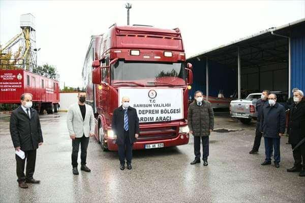 Samsun'dan İzmir'deki Depremzedelere Yardım