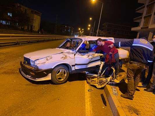 Çarşamba'da İki Otomobil Çarpıştı: 1 Yaralı