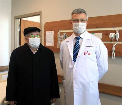 Samsun'da Meme Kanserine Yakalanan 75 Yaşındaki Erkek Hasta Tedavi Edildi
