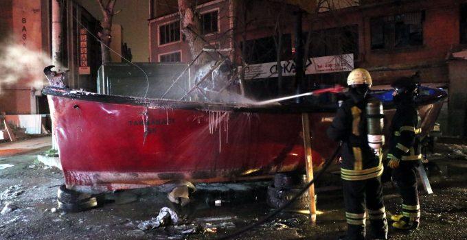 Balıkçı Teknesinde Yangın