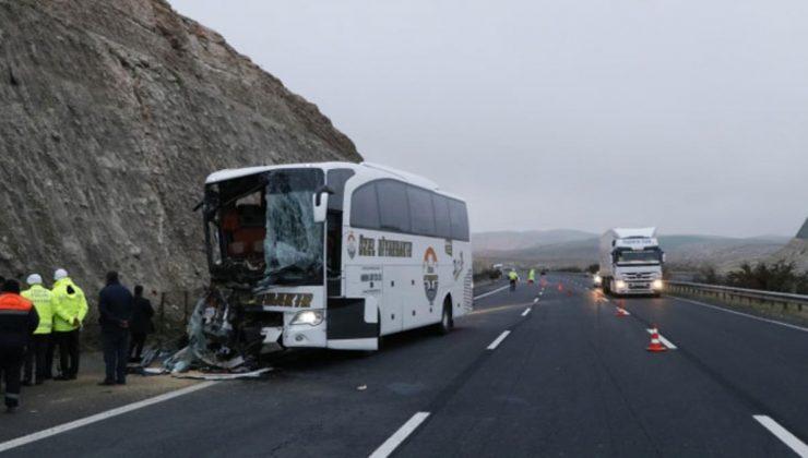 Son Dakika! Şanlıurfa'da yolcu otobüsü tıra arkadan çarptı: 3 ölü, 41 yaralı
