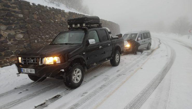 alaçam'da kar yağışı etkisini gösterdi
