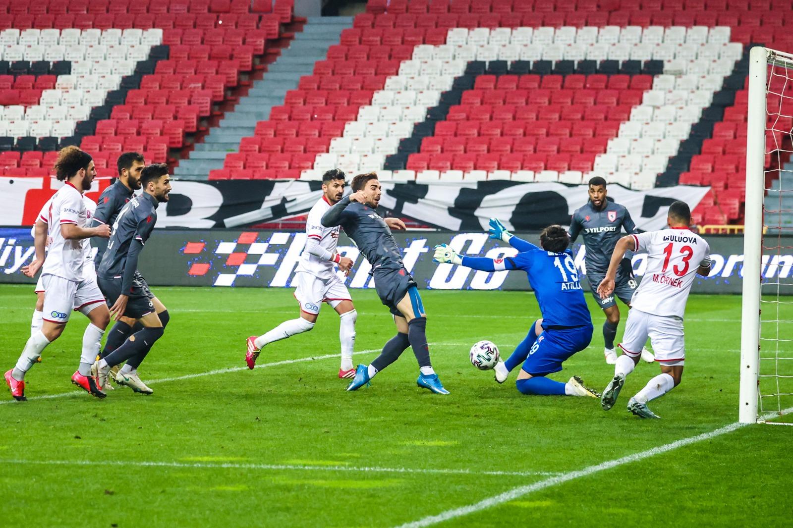 Yılport Samsunspor Süper Lige Göz Kırpıyor