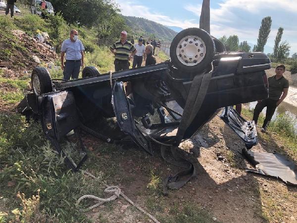 kanala düşen araç sürücüsü kurtulamadi 10