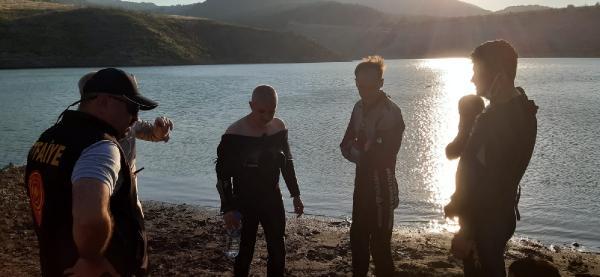 baraja düşen çocuğu kurtarmak için suya giren aynı aileden 5 kişi boğuldu 7