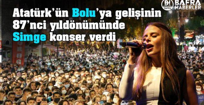Atatürk'ün Bolu'ya gelişinin 87'nci yıldönümünde Simge konser verdi