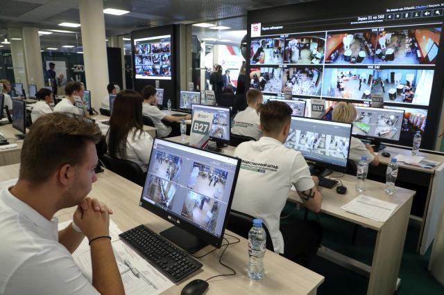 rusya'da halk devlet duması seçimleri için sandık başında 13