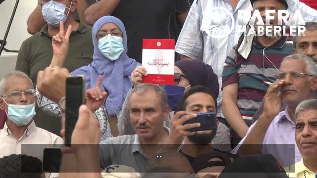 son dakika haberleri: cumhurbaşkanı'nın olağanüstü yetkileri elinde toplayan kararları protesto edildi 13